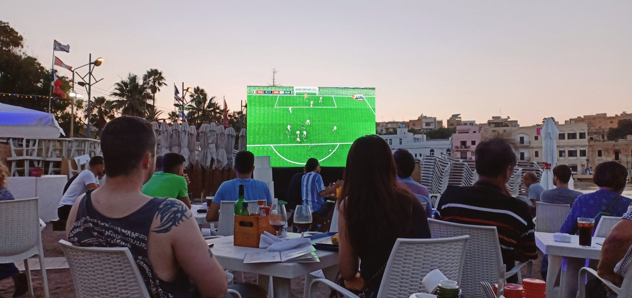 watching football vm outdoors