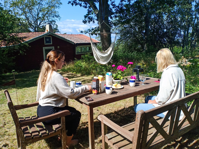 frukost i solen